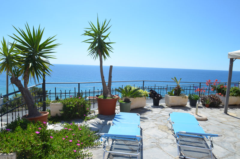 Appartamento vacanze in liguria casa clara in piani di for Piani di casa di google